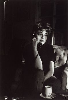 Simone Signoret, on the telephone, Paris, 1963 © Gisèle Freund