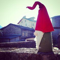 Following the red cap ... #sutrio #presepi #friuliveneziagiulia #noplacelikehome #igerseverywhere #xmas #family #art #homemade