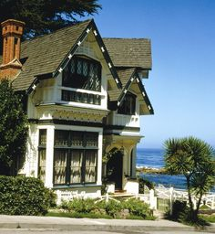 Special deals and packages at Green Gables Inn, A Four Sisters Inn bed and breakfast inn located in Pacific Grove, California. Pacific Grove California, Monterey California, Northern California, Monterey Bay, Green Gables, Concept Home, Hotel Spa, Queen Anne, Historic Homes