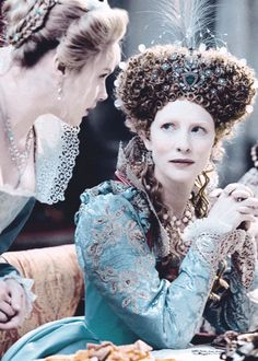 elizabeth - the golden age - costumes by aàexandra byrne