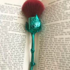 Storybook Cosmetics announced the pre-sale date for its What's In A Name makeup brush set. Rose Makeup Brushes, Makeup Brush Set, Dupes, Beauty Make Up, Beauty And The Beast, Makeup Utensils, Storybook Cosmetics, Cosmetic Kit, Theatre Makeup
