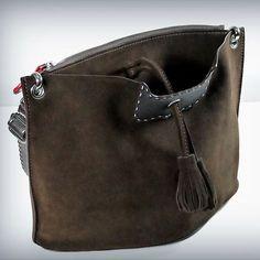 กระเป๋าหนังแท้ Truly bag www.facebook/trulycraftman #Trulybag #Trulycraftman #leather #leathercraft #leatherwork. #leatherbag #bags #totebag #กระเป๋าหนังแท้ #กระเป๋าถือ #thaimade #กระเป๋าแฟชั่น #กระเป๋าสะพาย