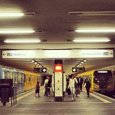 U8 #berlinstories #blastfromthepast #preinstaera Photoshooting Berlin © elafini