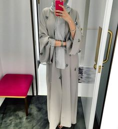 IG: hindalmadani | Embelished Grey Abaya