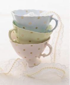 ♔ Tea cups with gold dots