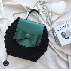 "1,365 Me gusta, 7 comentarios - @applewhitecrochet en Instagram: ""By @canareyca_handmade #croché #crocheter #crochê #crochetinspiration #crochetando #feitoamao…"""