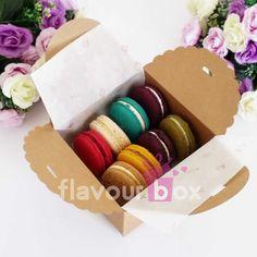 Kraft Gift Boxes 12 cm x 12 cm x cm great by flavourbox Cupcake Gift, Cupcake Boxes, Box Cake, Baby Shower Cupcakes, Baby Shower Favors, Mini Cupcakes, Wedding Cake Boxes, Macaron Boxes, Cookie Box