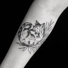 Cat Tattoos Meaning The Wild Tattoo - There Are Lots Of Different Styles For Cat Tats And You Can Get Inked With Any Cat Tattoo Design That You Want Old School Style Or Realism Ornamental Or Blackwork Traditional Or Trash Polka And I Petite Tattoos, Trendy Tattoos, Cute Tattoos, Beautiful Tattoos, Small Tattoos, Tattoos For Guys, Koi Tattoo Design, Cat Tattoo Designs, Tattoo Life