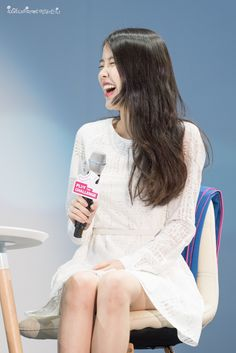 150908 IU at Samsung Play the Challenge Talk Concert Kim Tae Hee, Korean Music, Girl Day, Her Music, Korean Women, Girls Generation, Korean Singer, Kpop Girls, White Dress