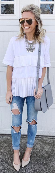 White Top / Grey Leather Shoulder Bag / Destroyed Skinny Jeans / Beige Pumps