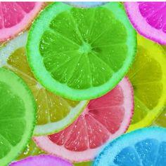 Let oranges or lemons soak in food coloring! Perfect for summer!!