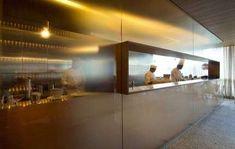 restaurant concept Kitchen Open Restaurant Bar Designs 20 Ideas For 2019 Cafe Restaurant, Open Kitchen Restaurant, Glass Restaurant, Design Bar Restaurant, Restaurant Concept, Kitchen Pass, Design Despace, Cafe Design, Open Concept Kitchen