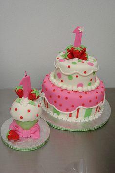 Strawberry Shortcake Cake and Smash Cupcake by Little Sugar Bake Shop, via Flickr