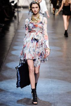 Dolce & Gabbana Spring 2010 Ready-to-Wear Collection Slideshow on Style.com