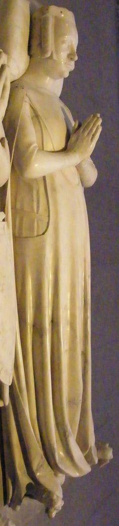 Marie d'Espagne, 1379, France, Paris - St Denis http://www.themcs.org/costume/Female/France%20Paris%20-%20St%20Denis%20Marie%20dEspagne%201379%20841.JPG