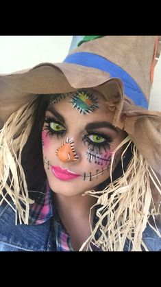 Scary scarecrow face makeup Furchtsames Vogelscheuchengesichtsmake-up Scarecrow Halloween Makeup, Halloween Costumes Scarecrow, Halloween Makeup Looks, Halloween Costume Contest, Halloween Make Up, Scarecrow Face Paint, Witch Costumes, Vintage Halloween, Costume Ideas