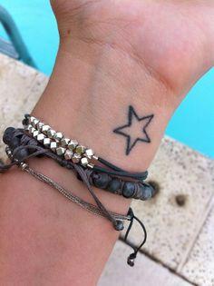 49 Besten Tattoos Bilder Auf Pinterest Stars Cute Tattoos Und