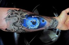 Getting a forearm tattoo can be tricky. So in this article, I will tell you about some of the coolest forearm tattoo designs and answer some inking FAQs. Cool Forearm Tattoos, Forearm Tattoo Design, Body Art Tattoos, Sleeve Tattoos, Cool Tattoos, Tattoos Schulter, Steampunk Tattoo Design, Biomech Tattoo, Tattoo Bras Homme