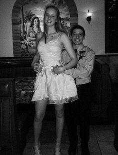 Tommy is tall) by zaratustraelsabio on DeviantArt Tall Boyfriend Short Girlfriend, Lilly And Co, Giant People, Long Tall Sally, Girls Heels, Gorgeous Men, Beautiful, Tall Women, Sport Girl