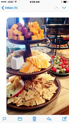 How to make a cheese board party on pinterest for Christmas eve food ideas uk