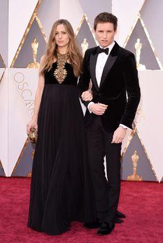 Hannah Bagshawe and Eddie Redmayne, wearing Alexander McQueen, on the 2016 Oscars Red Carpet