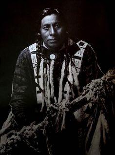 De spirituele aard van haar en de waarheid over haar en waarom Amerikaanse Indianen hun haar lang zouden houden