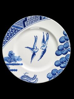 'After Willow' designed by Robert Dawson for Wedgwood, 2005 © Victoria and Albert Museum. Given by Josiah Wedgwood and Sons Bird Bones, Tea Illustration, Willow Pattern, Blue And White China, Chinese Ceramics, Ceramic Design, Victoria And Albert Museum, Ceramic Artists, Ceramic Plates