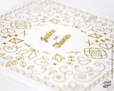 Zoom sur la Collection de papeterie de mariage Majestic. Disponible sur printyourlove.fr