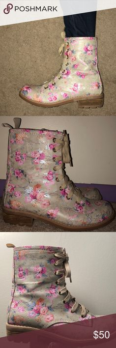 Floral combat boots Cute pair of beige combat boots with a floral design all over. In very good condition, only worn once. Report Shoes Combat & Moto Boots