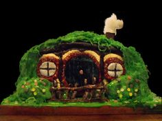#Hobbit gingerbread house <<< Great idea for the holidays! #FanX is coming April 17-19, 2014! saltlakecomiccon.com >>>