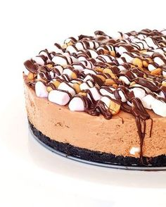 NEW No bake Rocky Road Chocolate Cheesecake! Crumbly Oreo crust topped with…