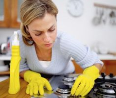 10 Homemade Cleaners You Can't Live Without - MoneySavingQueen - May 2012