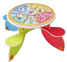 Table à jouer Quatro Planet - Table pour 4 enfants multicolore avec 4 assises solidaires de la table pour une meilleure stabilité et un encombrement minimum. Dimensions : 120 x 120 cm avec une hauteur de 60 cm. #table #quatro #multijoueur #loisirs #activité #médecin #hôpital #enfants