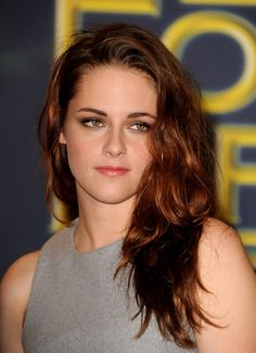 We adore the tousled, reddish-brown 'do K-Stew is currently rocking.