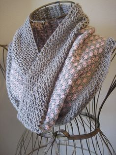 Ravelry: Sugar & Ice Cowl pattern by Gretchen Tracy - a free pattern