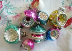 Rose Garden Romantic: Sweet Vintage Finds Christmas Time Is Here, Christmas Past, Christmas Is Coming, Pink Christmas, Christmas Stuff, Xmas, Vintage Christmas Ornaments, Christmas Baubles, Christmas Decorations
