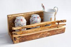 Spice rack. Idea, handpainted, handmade, wood, wood crafts, reclaimed, diy, decor, diyromania, shabby chic, kitchen.
