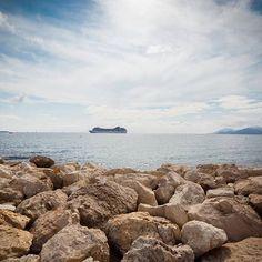 ZFP plavba 2017 na lodi MSC Orchestra plná zážitkov a dychberúcich výhľadov. Preplavili sme cez 2300km v smere -> Genoa -> Cannes -> Palm (Malorca) -> Barcelona -> Ajaccio (Korzika) -> Roma -> Vatikan -> Tore di Pisa -> Genoa. A mierime stále ďalej a už teraz sa tešíme na Karibik 2018.  #zfp #zfpa #zfpakademia #msc #mscorchestra #plavba #genoa #cannes #palm #barcelona #ajaccio #roma #vatikan #pisa Orchestra, Pisa, Cannes, Barcelona, Photo And Video, Beach, Water, Outdoor, Instagram