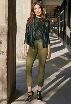 Flutter Sleeve Blouse in Black Multi - Get great deals at JustFab Army Pants Outfit, Olive Pants Outfit, Denim Jacket With Dress, Leather Jacket Outfits, Olive Jeans, Casual Outfits, Fashion Outfits, Work Outfits, Green Pants