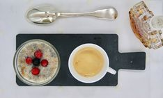 Pouding de chia au sirop d'érable Oatmeal, Breakfast, Food, Chia Seeds, Puddings, Almond Milk, The Oatmeal, Morning Coffee, Meal