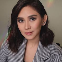 Sarah Geronimo - Sandata (Official Music Video) Geronimo, Random Pictures, Kos, Blind, Taylor Swift, My Idol, Music Videos, Photo Editing, Entertainment