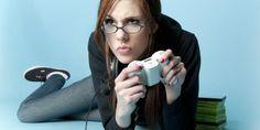 Estudio: mujeres son tan hábiles como hombres en videojuegos