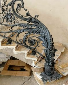 Furniture For Small Bedrooms Key: 5751014292 Steel Railing, Metal Railings, Grand Staircase, Staircase Design, Grill Gate Design, Wrought Iron Stairs, Building Stairs, Bedroom Wall Colors, Iron Art