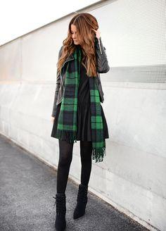 Nettenestea streetstyle outfit details antrekk mote grønt rutete skjerf la redoute skinnjakke zara hm alexander wang sko olympus pen kamera
