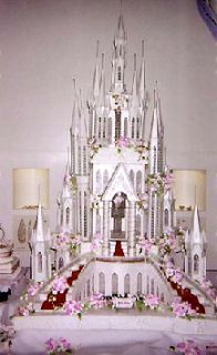 And last but most definitely not least, a dream Cinderella's Palace wedding cake.