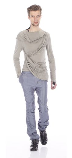 Top ( silk jersey), trousers (cotton, mixed), shoes ( leather)