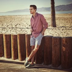 Perfect outfit for a sunny day Fashion Outfits, Mens Fashion, Men's Outfits, Adam Gallagher, Mens Trends, Man Up, Dapper Men, Casual Summer Outfits, Seaside