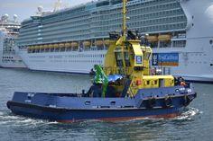 remolcadores rua - Buscar con Google Tugboats, Ships, Book, Google, Street, Tug Boats, Military, Boats, Boating