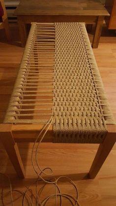 Weave a bench DIY! Amazing! #benchdesign #woodworkingplans
