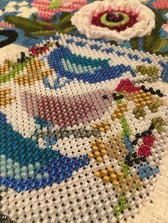Bead work on needlepoint canvas Needlepoint Stitches, Needlepoint Canvases, Needlework, Beading, Beadwork, New Teachers, Cross Stitch, Blanket, Crochet